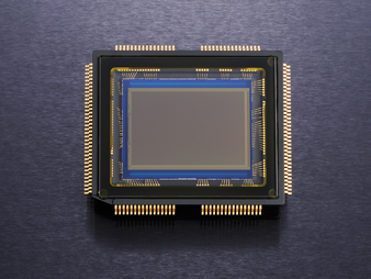 Nikon D5100 - senzor de imagine CMOS