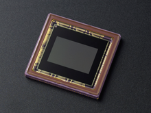 Nikon 1 V2 - Senzor CMOS in format CX